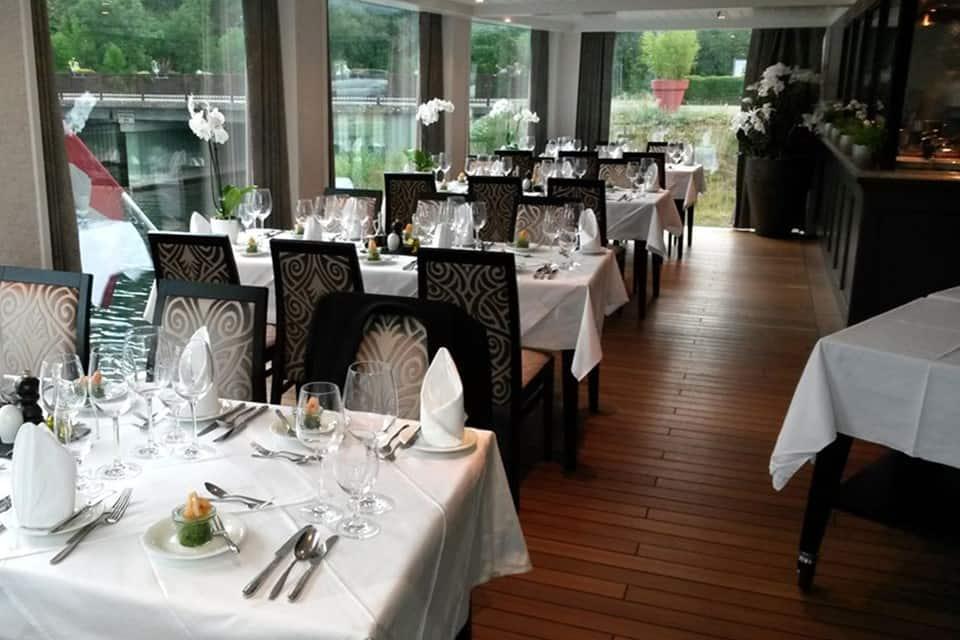 ataglance_amalyra_dining