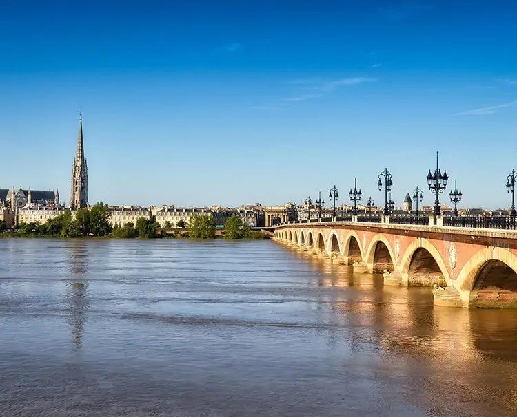 Bordeaux_Bordeaux_ss_117152740_b