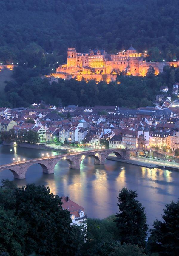 csm_Heidelberg_Schloss_bei_Nacht