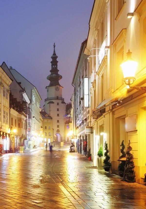 csm_Michaelertor_in_Bratislava_3