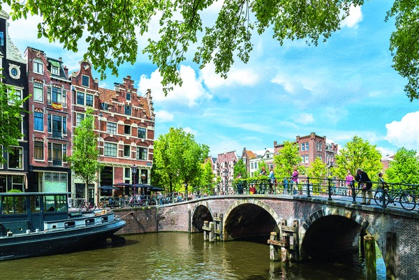 csm__c_Amsterdam_Gracht_LU247449