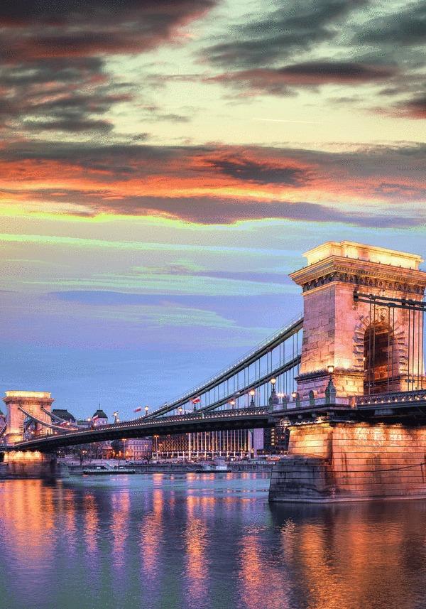 csm__c_Budapest_Kettenbruecke_LU
