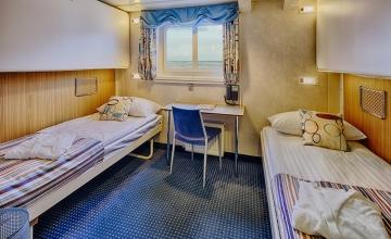 20140622-ocean-nova-cabin-410-bridge-deck-twin