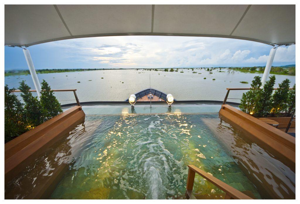 Aqua-Mekong-Outdoor-Top-Deck-Plunge-Pool-High-Resolution