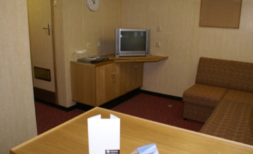 interior-shipvic-cabinstandardsuite-2010