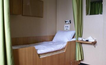 interior-shipvic-cabinstandardtwin-2010