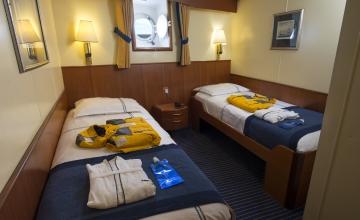 ocean-adventurer-lowerdecktwin-cabin-103-rogelio-espinosa