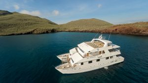 galapagos cruise tours